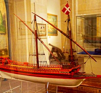 Barca Hotel Arno Cesenatico