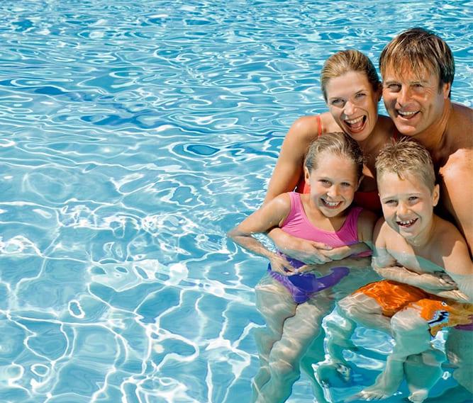 Famiglia e Piscina Hotel a Cesenatico